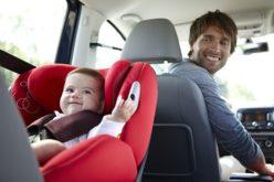 Bambini sicuri in auto: le giuste regole da tenere
