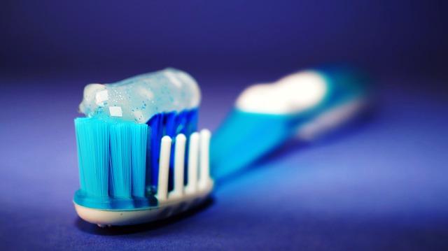 come-lavare-denti-da-latte