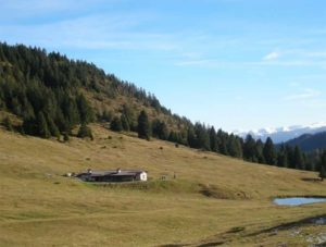 Giro delle Malghe in Valsorda @ Il ritrovo al parcheggio del Parco delle Doline  | Casto | Lombardia | Italia